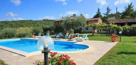 Toskana Ferienhaus San Feliciano 435 mit Pool und Seeblick. Wechseltag Samstag, Nebensaison flexibel auf Anfrage.