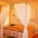 Ferienhaus Toskana TOH445 Schlafraum mit Doppelbett