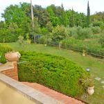 Ferienhaus Toskana am Meer TOH490 Blick in den Garten