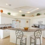 Villa Florida FVE46275 Küchentheke mit Stühlen