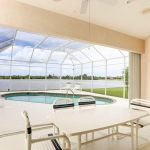 Villa Florida FVE46275 Terrasse mit Blick auf Pool und See
