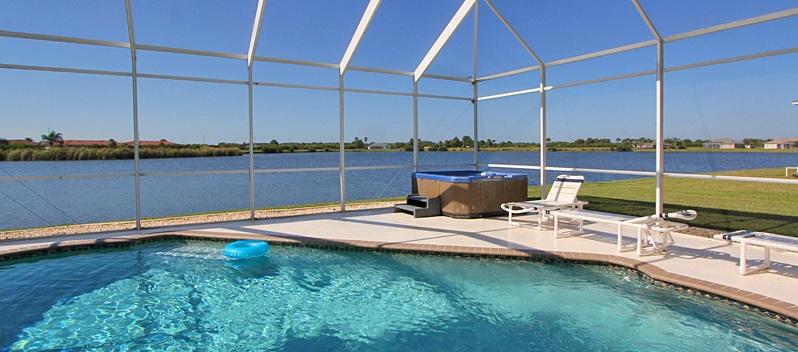 Ferienhaus Florida mit Pool am See