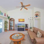 Ferienhaus Florida FVE31211 Wohnraum mit Zugang zur Terrasse