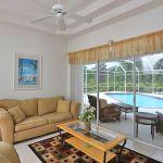 Ferienhaus Florida FVE41712 Wohnbereich mit Zugang zur Terrasse