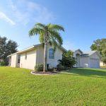 Ferienhaus Florida FVE4221 Grundstück mit Palme