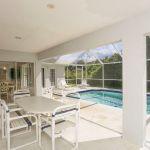 Ferienhaus Florida FVE42435 überdachte Terrasse mit Gartenmöbel