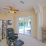 Ferienhaus Florida FVE42630 Sessel im Master-Schlafraum