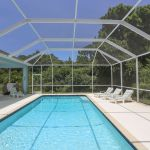 Ferienhaus Florida FVE42665 Sonnenliegen am Pool