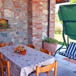 Ferienhaus Toskana TOH320 - überdachte Terrasse mit Sitzgelegenheiten