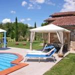 Ferienhaus Toskana TOH320 - Liegestühle am Pool