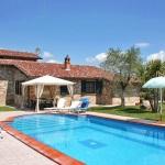 Ferienhaus Toskana TOH320 - Poolbereich mit Sonnenliegen