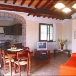 Ferienhaus Toskana TOH325 - Wohnraum mit Fernseher