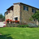 Ferienhaus Toskana TOH345 - Garten mit Blick auf das Haus