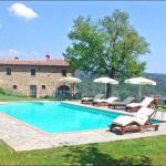 Ferienhaus Toskana TOH350 - Poolbereich mit Liegestühlen