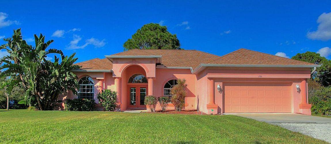 Villa Florida FVE41780 mit Palmen im Garten