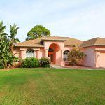 Villa Florida FVE41780 mit Rasenfläche