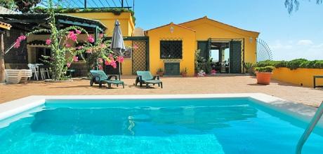 Ferienhaus Telde 3009 mit Pool für 6 Personen auf Gran Canaria mieten. Wechseltag flexibel – Mindestmietzeit 1 Woche.