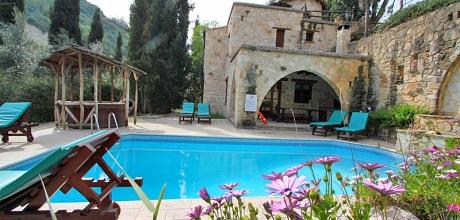 Ferienhaus zypern miliou 3009 mit pool und whirlpool for Ferienhaus zypern