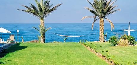 Ferienhaus Zypern Kissonerga 3412 mit Pool direkt am Meer für 6 Personen. Wechseltag flexibel, Mindestmietzeit 1 Woche.