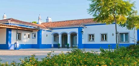 Ferienhaus Algarve Olhos 61015 mit Pool, Tennisplatz und Kinderpool. Wechseltag Samstag.