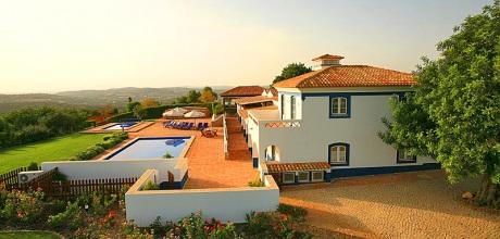 Ferienhaus Algarve Malhao 7986 mit Pool und Kinderpool für 14 Personen. Wechseltag Samstag.