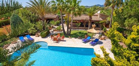 Südostküste Mallorca: Ferienhaus Cala Sanau 2210 mit Pool auf gepflegtem Gartengrundstück in Strandnähe (800m) für 4 Personen zu mieten. Der Wechseltag ist Freitag.