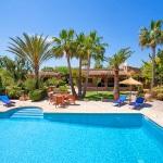 Ferienhaus Mallorca MA2210 -Poolbereich mit Liegen