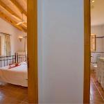 Ferienhaus Mallorca MA2210 - Schlafraum mit angrenzendem Bad