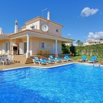 Ferienhaus Algarve ALS4064 - Poolbereich mit Sonnenliegen