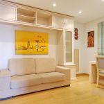 Ferienhaus Algarve ALS4065 Raum mit Schreibtisch und Couch