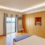 Ferienhaus Algarve ALS4065 Schlafraum mit grossem Kleiderschrank