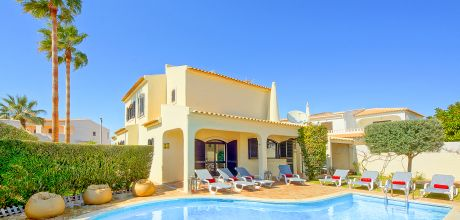 Ferienhaus Algarve Gale 4609 mit privatem Pool für 8 Personen, Strand = 400m. Wechseltag Samstag/Dienstag, Nebensaison flexibel auf Anfrage – Mindestmietzeit 1 Woche.