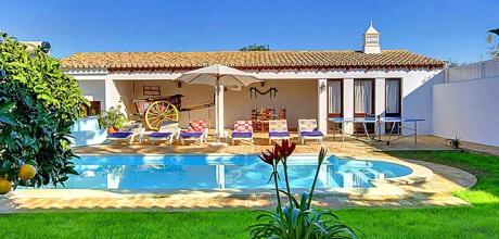 Ferienhaus Algarve Guia 32320 mit Pool und Internet für 6 Personen mieten. Wechseltag Samstag.