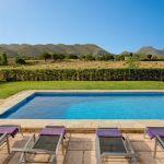 Ferienhaus Mallorca 2026 Blick über den Pool