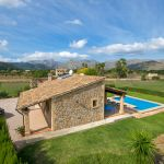 Ferienhaus Mallorca 2026 Blick auf Haus und Pool