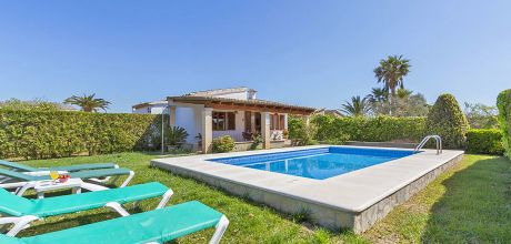 Mallorca Nordküste – Ferienhaus Pollensa 2090 mit Pool für 4 Personen mieten, Strand 3,5 km. Wechseltag vom 30.06. – 25.08. ist Samstag, Rest flexibel.