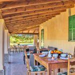 Ferienhaus Mallorca MA2110 Terrasse mit Esstisch