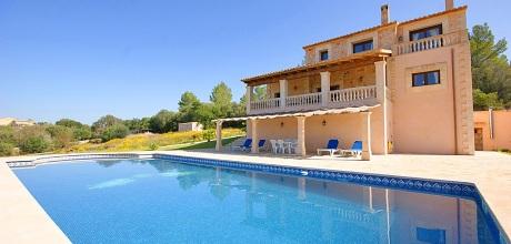 Mallorca Nordküste – Ferienhaus Llubi 2902 mit großem Pool, Grundstück 21.000qm, Wohnfläche ca. 180qm. Wechseltag flexibel – Mindestmietzeit 1 Woche