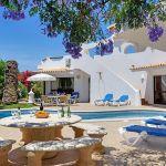 Villa Algarve ALS4002 Terrasse mit Gartenmöbel