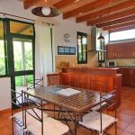 Ferienhaus Mallorca MA2030 - offene Küche mit Esstisch