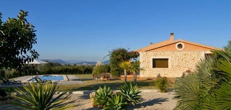 Mallorca Nordküste – Komfort Ferienhaus Muro 2077 mit Pool, Grundstück 15.900qm, davon Garten 2.000qm, Strand 3km. Wechseltag flexibel – Mindestmietzeit 1 Woche!