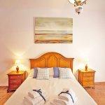 Ferienhaus Mallorca MA2087 Schlafzimmer mit Doppelbett