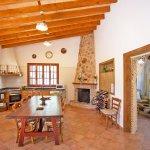 Ferienhaus Mallorca MA2095 Esstisch in der Küche