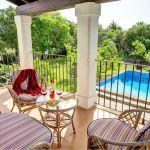 Ferienhaus Mallorca MA2160 Gartenmöbel auf dem Balkon