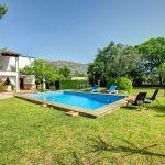 Ferienhaus Mallorca MA2160 Rasen um den Pool