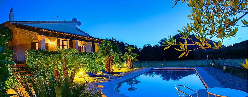 Ferienhaus Mallorca mit Pool MA1257 am Abend