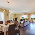 Ferienhaus Costa del Sol CSS4025 Wohnebene mit Esstisch