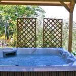 Ferienhaus Toskana TOH170 - überdachte Terrasse mit Whirlpool