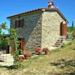 Ferienhaus Toskana TOH170 - Garten mit Blick auf das Haus