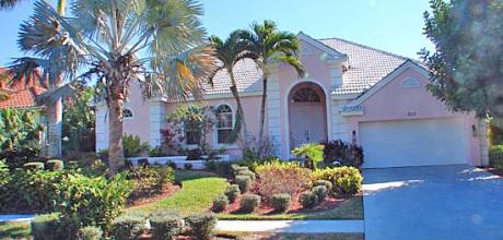Deluxe-Florida Villa Marco Island 3373 mit Pool, Bootsdock und Internet mieten. Wechseltag flexibel.